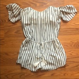 Off the shoulder black and white romper S